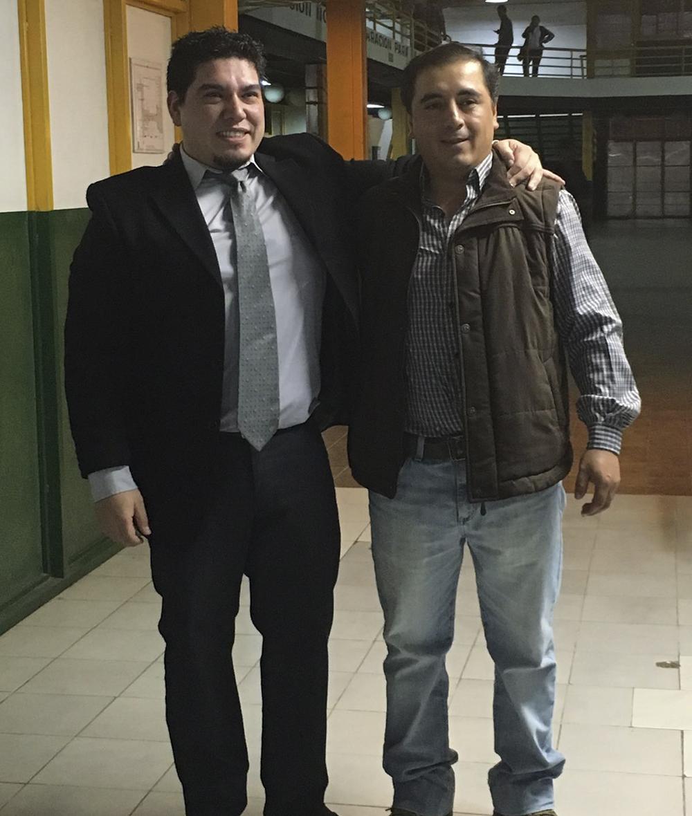Los Ingenieros Industriales son Jorge Hernández y Oscar Alvarez quienes se recibieron su título luego de presentar su proyecto final en conjunto.