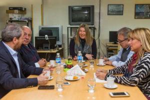 La gobernadora Rosana Bertone se reunió con el Rector de la UNTDF Ing. Juan Castelucci y el Decano de la UTN Ing. Mario Ferreira.