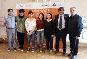 De izquierda a derecha: Carlos Cabral, Rubén Carrillo, Iris Fernández, Lucía Arrébola, Mariana Baliño, Martín Rodríguez (coordinador de distrito de intercambio estudiantil ) y Mario Ferreyra.