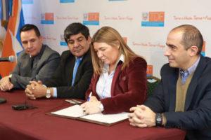 Ayer la gobernadora Rosana Bertone encabezó una conferencia de prensa en Casa de Gobierno, tras recuperar el espacio luego de más de dos meses de protesta sindical.