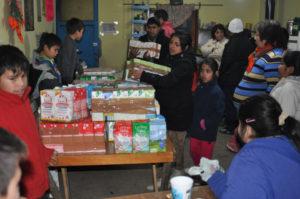 Estudiantes recolectaron 600 litros de leche.
