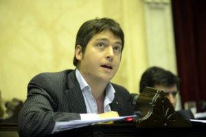 El diputado nacional Martín Pérez estimó en 1.800 la caída de puestos de trabajo en la industria fueguina y adelantó una convocatoria del Congreso a los actores locales para debatir el futuro del régimen.
