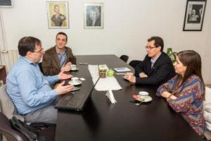 Autoridades del Gobierno Provincial consiguieron el compromiso de la empresa Telefónica Argentina de ampliar la conectividad de Internet, ante la necesidad contar con dos oficinas más del Registro Civil en la capital de Tierra del Fuego.