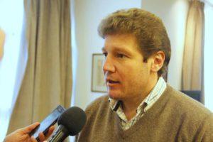 El intendente Gustavo Melella expuso ayer las dificultades para la gestión por la deuda de más de cien millones de pesos de coparticipación que mantiene el gobierno, y reclamó no sólo regularización sino más transparencia sobre la recaudación de la provincia.