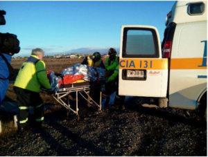 Una mujer resultó con múltiples fracturas tras choque frontal sobre ruta chilena. (Imagen gentileza Radio Polar).