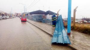 Defensa Civil Ushuaia recibió más de 500 llamados por la tormenta de viento y lluvia.