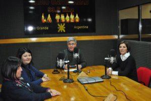 Legisladoras del FPV y de la UCR debatieron sobre la realidad de la provincia en los estudios de FM Universidad.