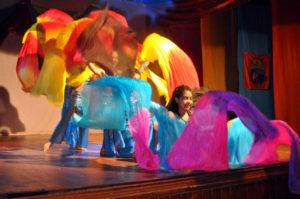 Más de un centenar de pequeños bailaron en 'El Arte del Movimiento Infantil'.