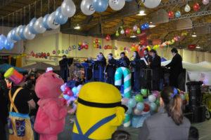 El inicio del evento se realizó pasadas las 13 horas con la actuación de la Banda de Música del Municipio de Río Grande que tocó reconocidos temas infantiles.