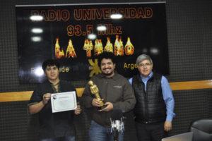 Los 'Dos Reynoso' en el estudio de FM Universidad al ser entrevistados en el programa 'Buscando el Equilibrio' que conduce el director periodístico de la emisora y del diario Provincia 23, Néstor Alberto Centurión.