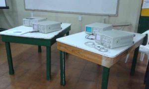 Importante donación recibió la Universidad Tecnológica Nacional, Facultad Regional Río Grande, consistente en ocho osciloscopios analógicos de 60 kHz de parte del Grupor Mirgor.