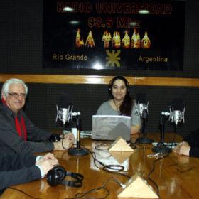 Ingeniero Ricardo Chacra, presidente de la Petrolera Roch, junto a Fernando Saudino, gerente de la empresa en Tierra del Fuego, visitaron los estudios de Radio Universidad en contacto con nuestro corresponsal en Roma, Italia.