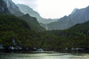La Isla de los Estados o Chuanisin -tierra de la abundancia, como la nombraron los pueblos originarios- es reconocida y apreciada por su exuberante y singular naturaleza.