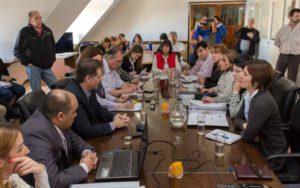 """El ministro Marcos Colman, que asistió con todo su equipo técnico ministerial, señaló que la reunión fue positiva en tanto que """"hemos podido aclarar las dudas que los legisladores tenían""""."""
