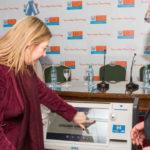 Bertone encabezó la presentación del sistema de voto electrónico