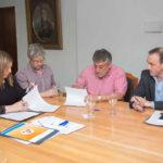 Aserraderos de Tolhuin fabricarán muebles escolares