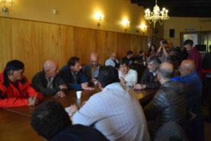 Los representantes del sector acudieron al Concejo Deliberante junto a referentes de la CGT para impulsar un nuevo debate con los concejales sobre el cambio de la normativa vigente.