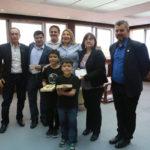 Bertone recibió a la pareja de docentes que dictará clases en la Escuela Nº 38