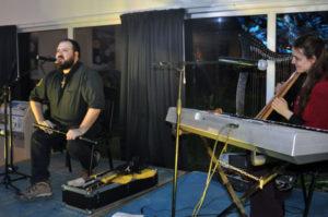 Participaron destacados artistas locales y amantes de la música como el Grupo Belenus que toca música Celta.