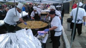 Once mil porciones de paella fueron elaboradas por Gastronomía del Sur que se sumó a los festejos de la ciudad, en el marco de la Responsabilidad Social Empresaria.
