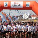 Miles de riograndenses colmaron las calles para correr por Malvinas