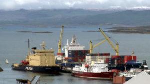 """""""En el puerto de Ushuaia hay cinco escáneres para el equipaje de las personas que descienden de los cruceros"""", indicó, con la aclaración de que no se aplica a los individuos y tampoco hay escáner de contenedores del puerto."""