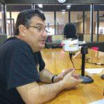 El ingeniero Álvarez visitó los estudios de Radio Universidad