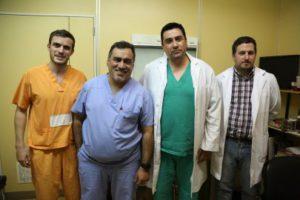 El ingeniero Galeazzi, el cirujano Pérez Gramajo y los otorrinos del Hospital de Ushuaia, Bochenek y Fernando Gliubich.