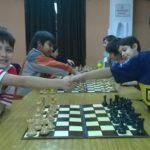 Inician las clases de ajedrez infantil