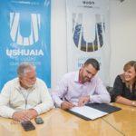 Vuoto firmó el decreto de adjudicación para la repavimentación de calle Perón