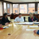 Bertone firmó los decretos de aumento salarial para los escalafones seco, húmedo y docente