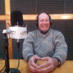 El teniente Owen Crippa visitó los estudios de Radio Universidad