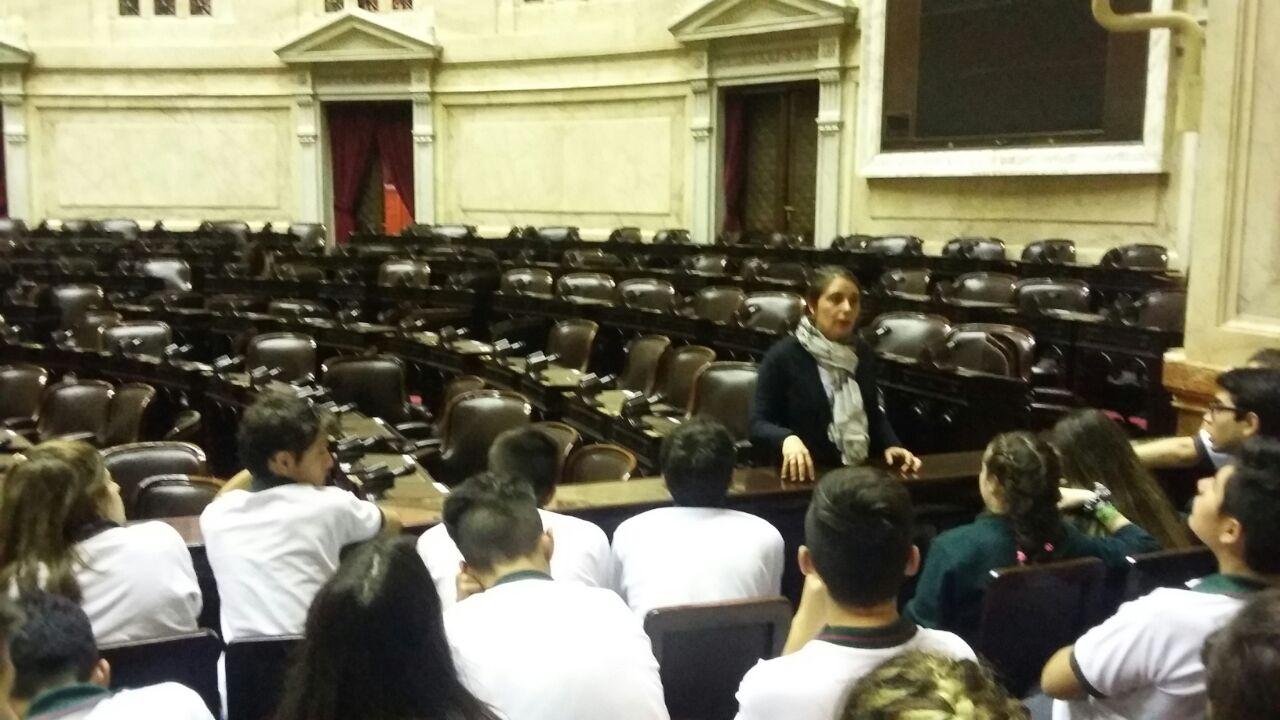 Una delegación de 35 alumnos de 5to año del CIEU, se encuentran en Buenos Aires visitando los distintos puntos culturales e históricos que ofrece la ciudad.