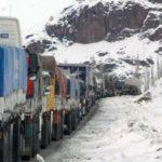Fuertes nevadas complican la llegada de alimentos y gas