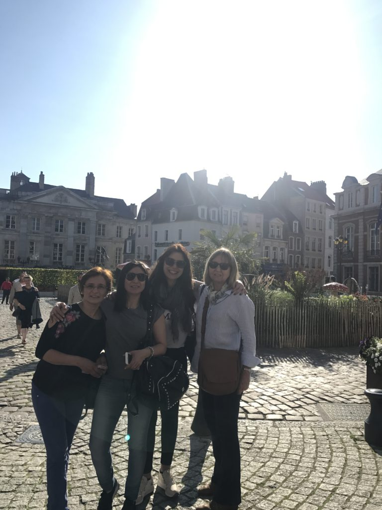 De izquierda a derecha Mercedes Leiva, Lilianette Lopez, Marilina Henninger, Carolina Schauman, en la Villa Medieval de Boulogne-sur-Mer