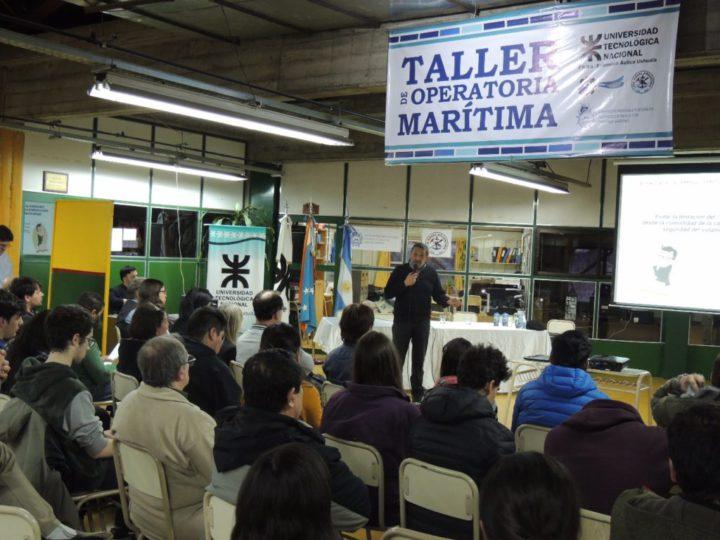 Distintas empresas e instituciones dedicadas a la actividad marítima y a la pesca participaron del evento.