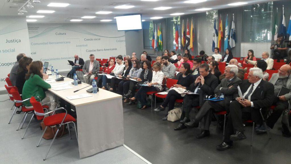 """Representantes de radios universitarias de más de 10 países de América Latina, El Caribe y Europa, han participado en el 4° Encuentro de la RRULAC """"Radios Universitarias en marcha: hacia la conformación de una contra agenda mediática"""", celebrado del 24 al 27 de octubre de 2017 en Madrid y en el Monasterio de Yuste."""