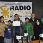 Por su programa en Radio Universidad, los chicos del CAAD recibieron un reconocimiento del intendente