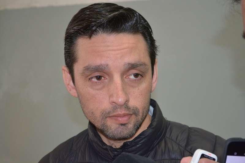 El secretario adjunto de la UOM Río Grande, Marcos Linares, dio detalles del acuerdo que llevará hoy el diputado Oscar Martínez, para ser refrendado por la dirigencia nacional del gremio metalúrgico, y luego elevado al gobierno nacional.