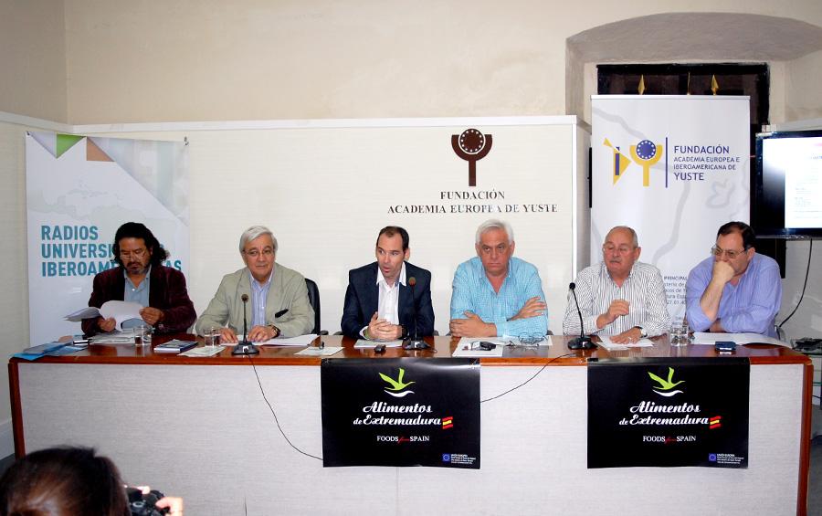 La presidencia de la red quedó a cargo de Daniel Martín-Pena, director de la radio-televisión de la Universidad de Extremadura y presidente de la Asociación de Radios Universitarias de España (ARU); en tanto que el Director de Medios de la UNDAV y vicepresidente de la Asociación de Radios de las Universidades Públicas Argentinas (ARUNA), Mario Giorgi, fue elegido como vicepresidente de la agrupación internacional.