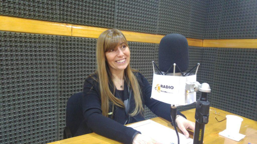 La legisladora del MPF, Cristina Boyadjian, visitó los estudios de Radio Universidad (93.5)