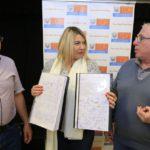 Bertone recibió de los vecinos el proyecto de Ciudad Austral