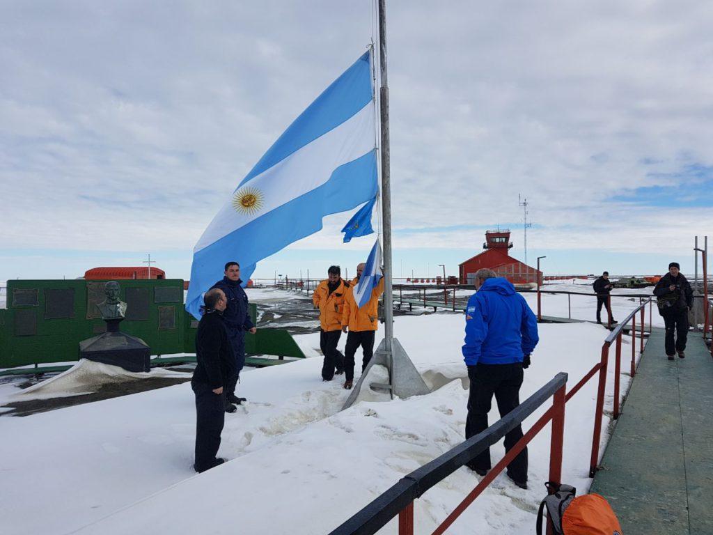 El secretario Jorge López y el subsecretario Gustavo Lezcano visitaron las diferentes Bases del Continente Blanco.