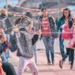 Los carnavales centrales en Ushuaia reunieron a una multitud en avenida Maipú