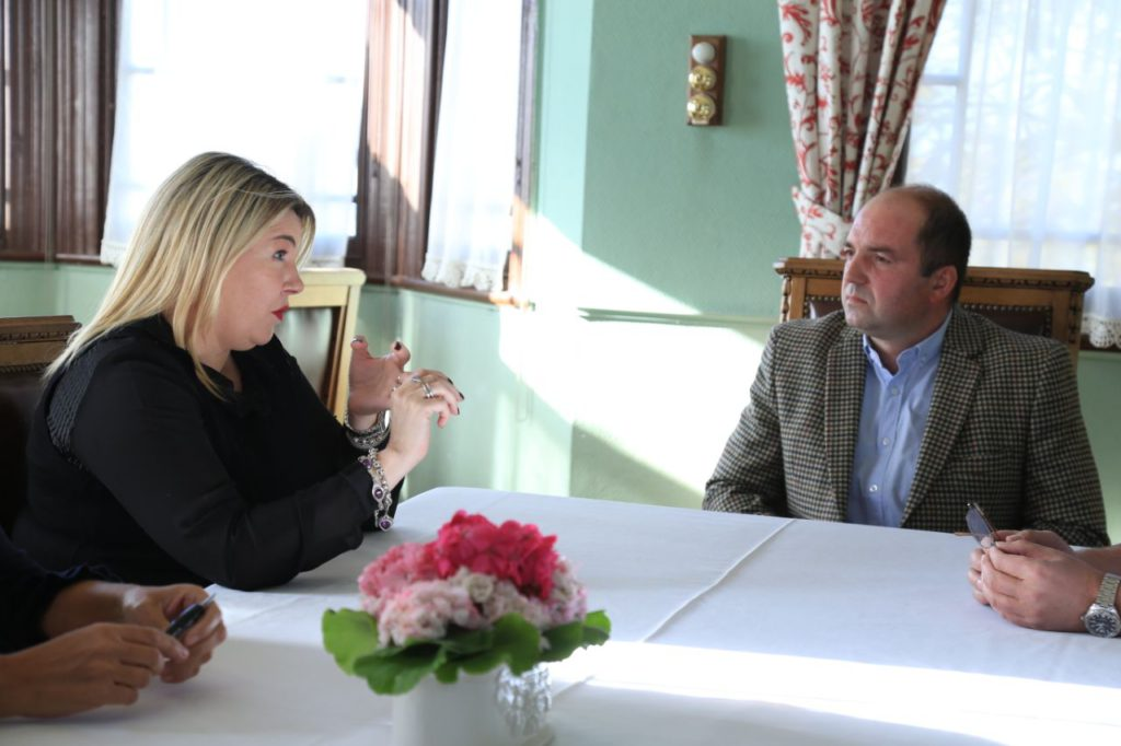 La gobernadora Rosana Bertone se reunió con el flamante presidente de la Asociación Rural de Tierra del Fuego Fernando Gliubich.