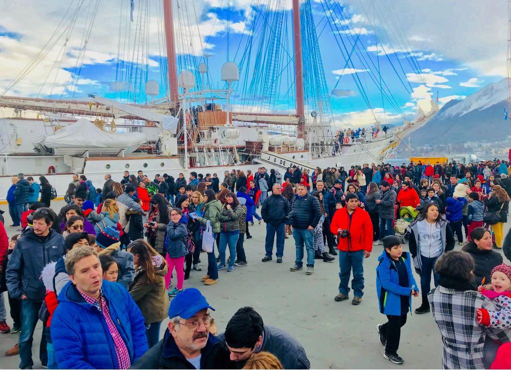 Más de 33 mil fueguinos visitaron los veleros latinoamericanos