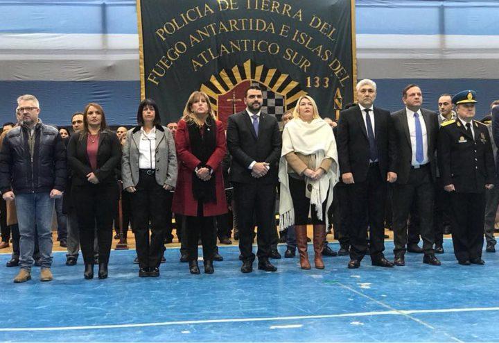 La Gobernadora encabezó junto al Jefe de Policía el acto en conmemoración de un nuevo aniversario de la creación de la Fuerza.