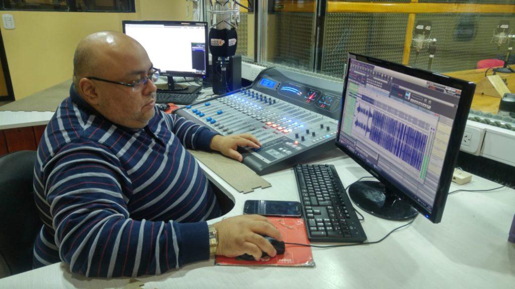 Fabián 'Fulbito' Pérez, actualmente, operador de Radio Universidad (93.5 MHZ) y Aire Libre (93.6 MHZ).