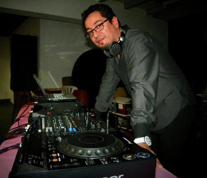 Roberto 'Bache' Ojeda, operador de Aire Libre FM.