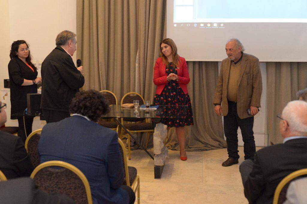 El Secretario de Políticas Institucionales de la UTN Mario Ferreyra agradece las exposiciones de la Secretaria y del Presidente del Foro de Ciencia y Tecnología para la Producción Lic. Conrado González
